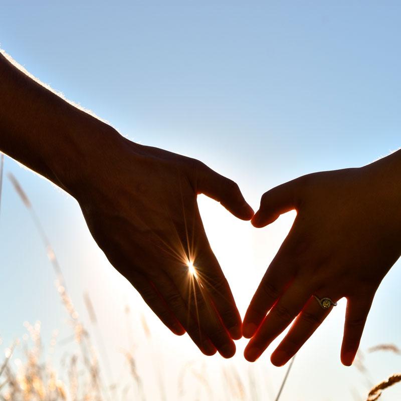 Hilfe bei Paarkonflikten, Hände als Herz